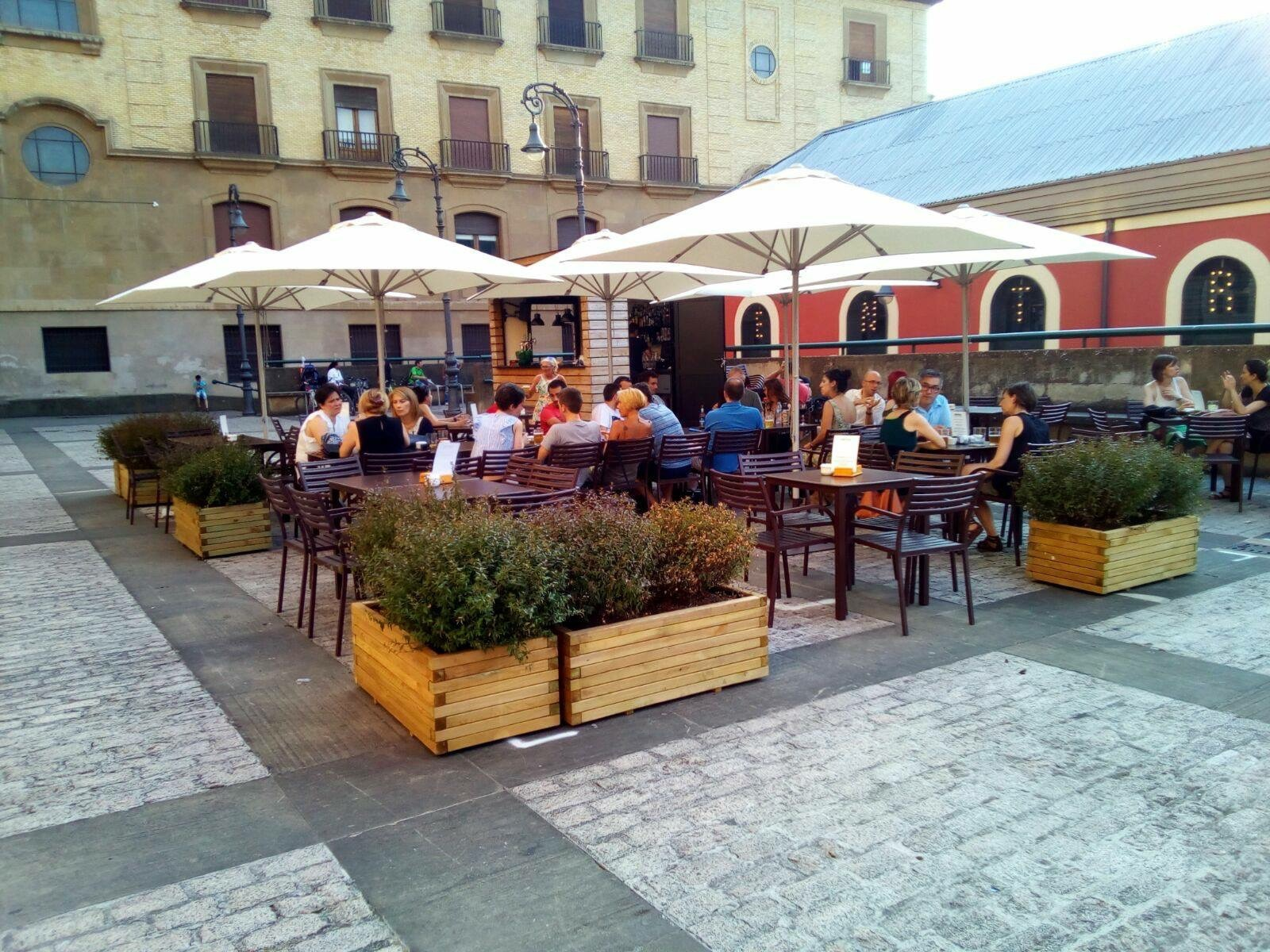zentral-terraza-mesas