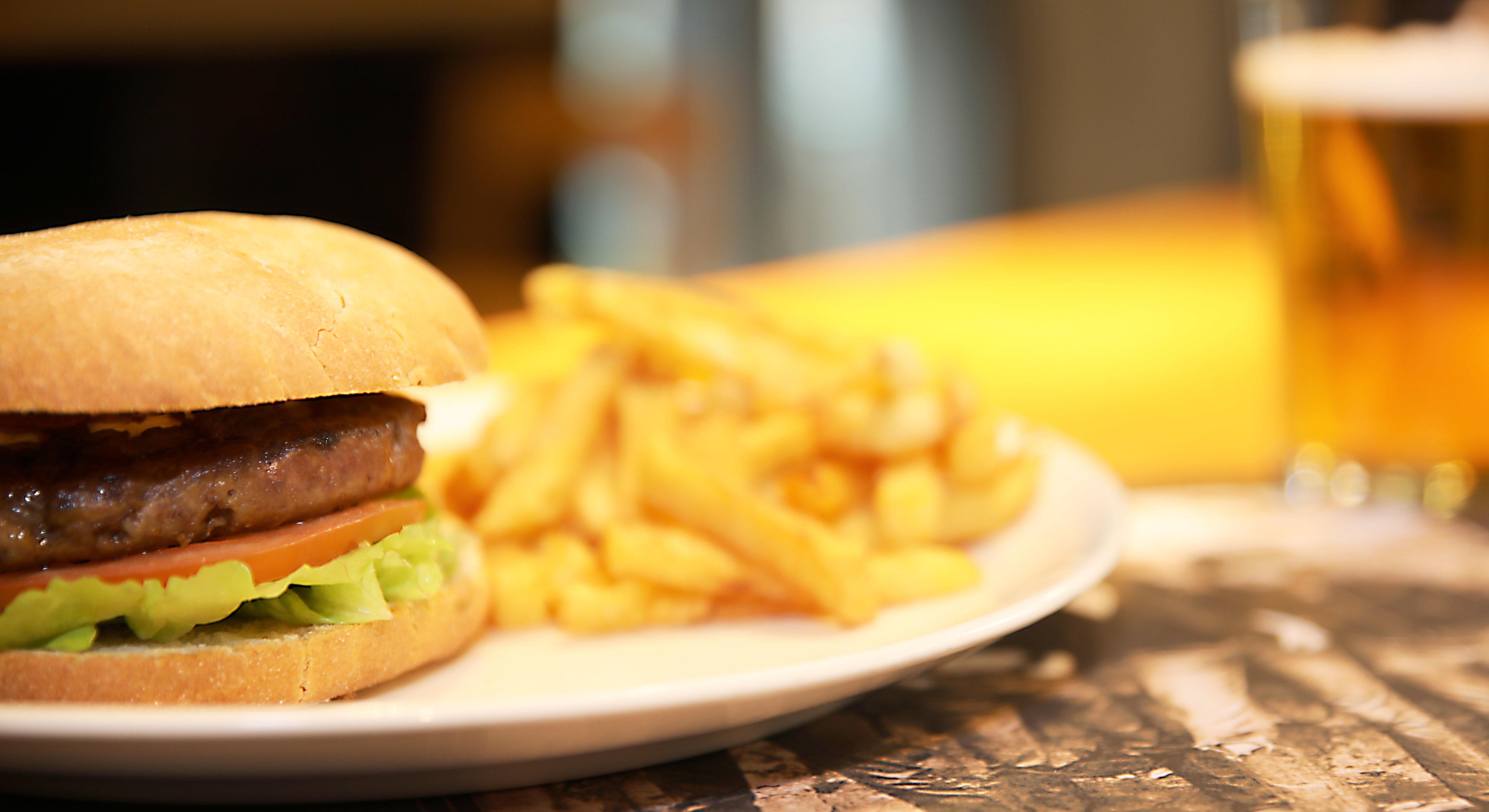 promo-burguer-promoburguer-hamburguesa-patatas-cerveza-bebida-comida